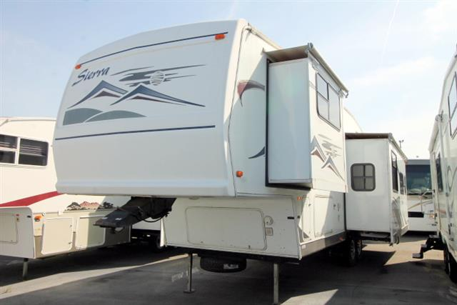 Used 2005 Forest River Sierra 305RL Fifth Wheel For Sale
