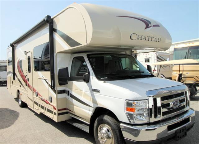 Used 2015 Thor Chateau 31W Class C For Sale