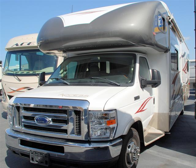 Used 2012 Winnebago Access 31JP Class C For Sale