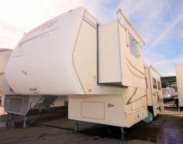 Used 1998 Thor Traveleze M32-FS Fifth Wheel For Sale