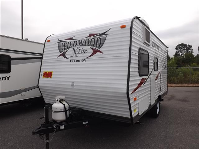 Used 2014 Forest River Wildwood 154BH Travel Trailer For Sale