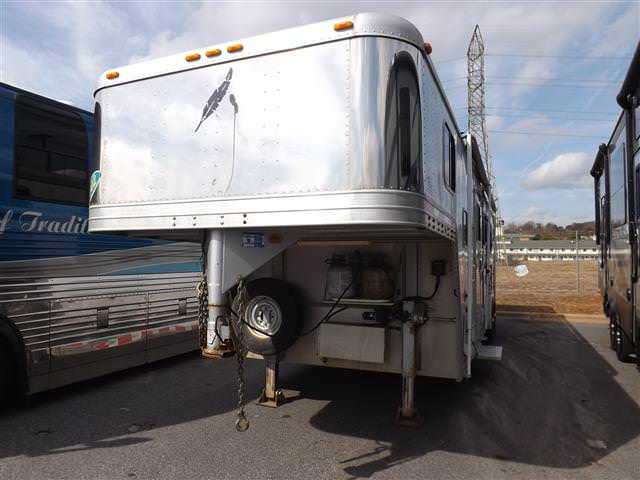 Used 2002 Featherlite Jay Feather LGT 4FG Fifth Wheel For Sale