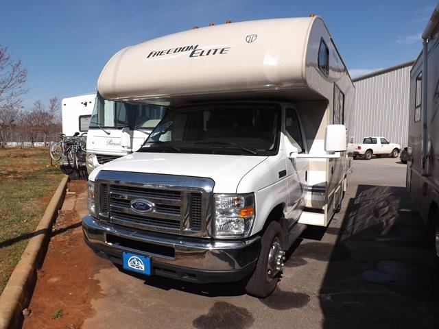 Used 2014 Thor Freedom Elite 23H Class C For Sale
