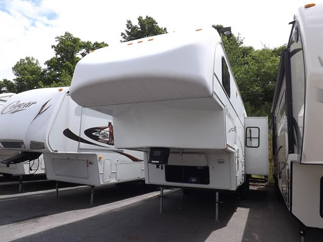 Used 2003 Glendale Titanium 32E37 Fifth Wheel For Sale