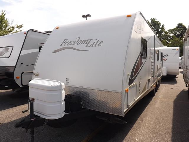 Used 2009 Keystone FreedomLite 281RL Travel Trailer For Sale