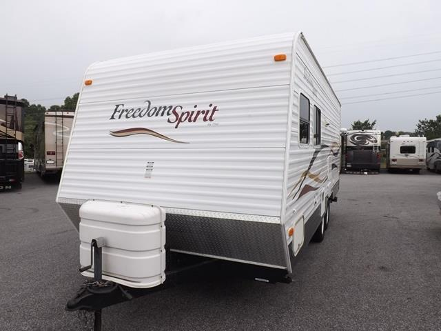Used 2008 Thor Freedom Spirit 23 Travel Trailer For Sale