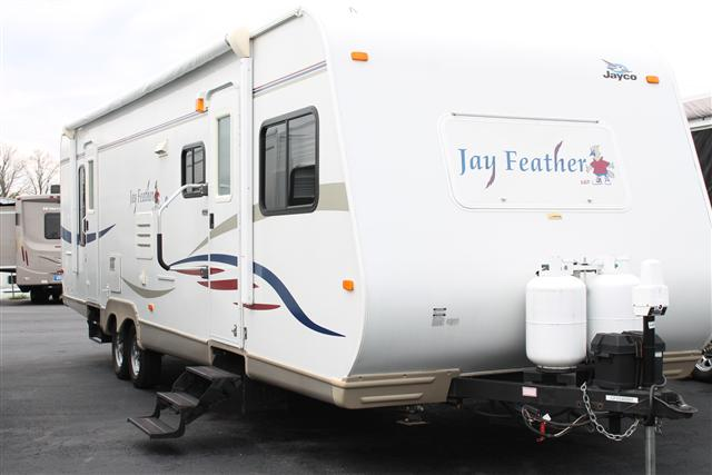 Buy a Used Jayco Jay Feather LGT in Colfax, NC.