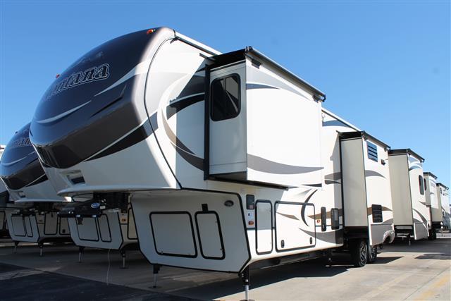 2015 Fifth Wheel Keystone Montana