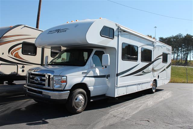 used2013 thor freedom elite class c for sale