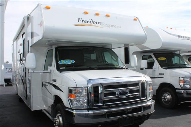 Used 2009 Coachmen Freedom Express 31SS Class C For Sale