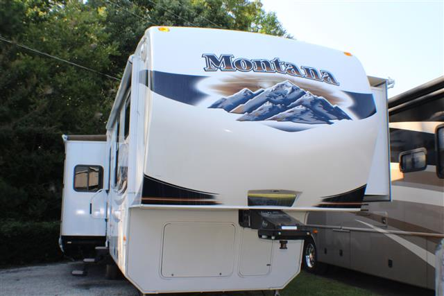 2011 Fifth Wheel Keystone Montana