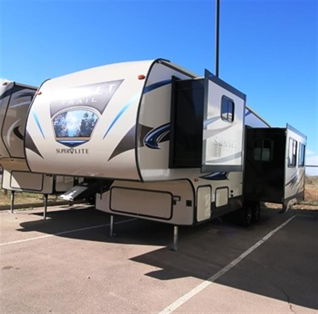 Used 2015 Crossroads Sunset Trail 280RL Fifth Wheel For Sale