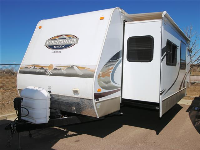 Used 2008 Keystone Mountaineer 32FLD Travel Trailer For Sale