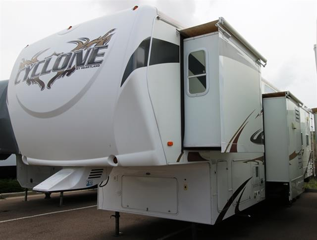 Used 2009 Heartland Cyclone 3950 Fifth Wheel Toyhauler For Sale