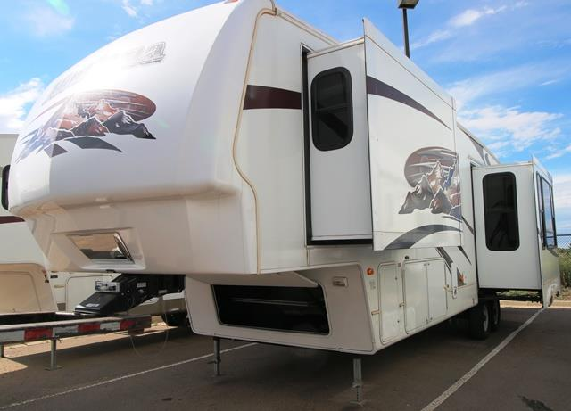 Used 2008 Keystone Montana 3585SA Fifth Wheel For Sale