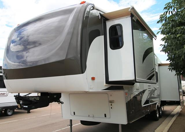 Used 2007 Forest River Cardinal AMERICANA Fifth Wheel For Sale
