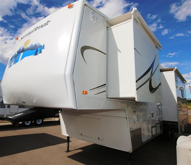 Used 2006 Sunnybrook Titan 32BWKS Fifth Wheel For Sale