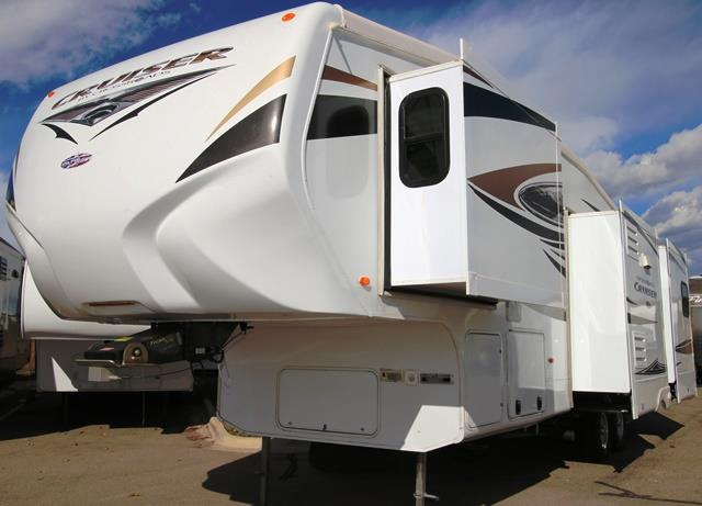 Used 2011 Crossroads Cruiser 325CK Fifth Wheel For Sale