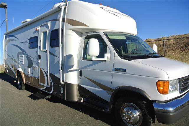 Used 2006 Coachmen Concord 275DS Class B Plus For Sale