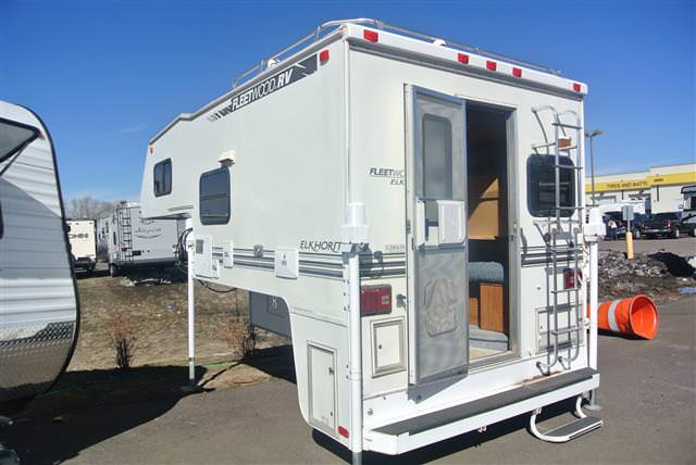 Used 2000 Fleetwood Elkhorn 8R Truck Camper For Sale