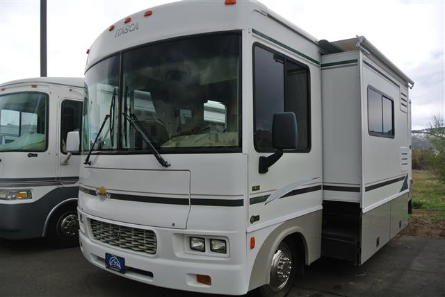 Used 2003 Itasca Sunova 27C Class A - Gas For Sale