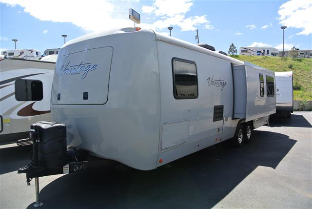 Used 2013 Keystone VANTAGE 29RLS Travel Trailer For Sale