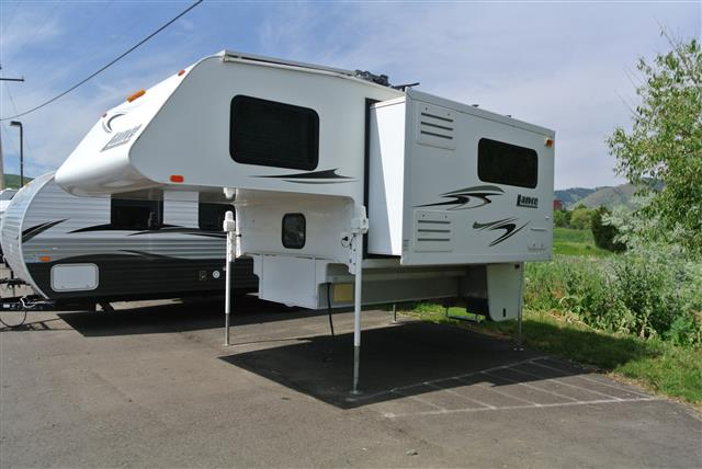Used 2009 Lance Lance 981 Truck Camper For Sale