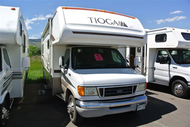 Used 2004 Fleetwood Tioga 31W Class C For Sale