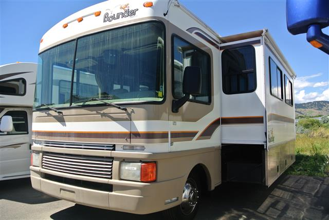 Used 1998 Fleetwood Bounder 34V Class A - Gas For Sale
