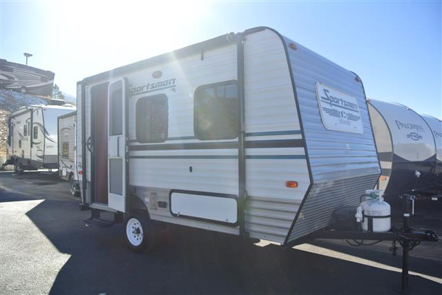 Used 2014 SPORTSMEN Classic 14RB Travel Trailer For Sale
