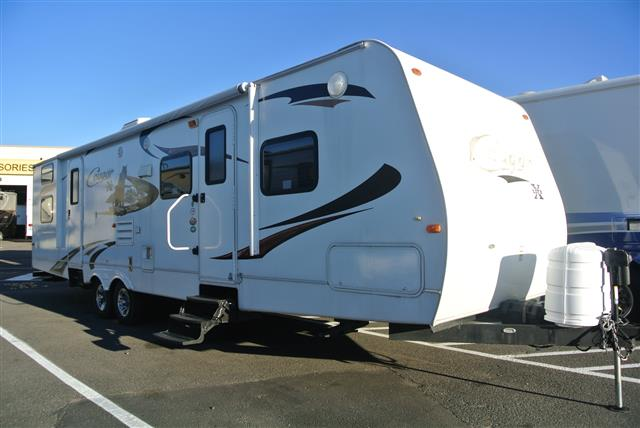 Used 2010 Keystone Cougar 31SQB Travel Trailer For Sale