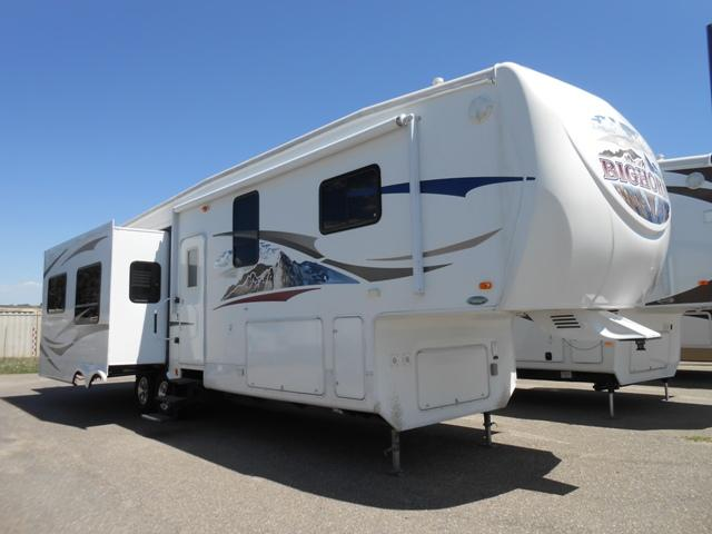 Buy a Used Heartland Bighorn in Longmont, CO.