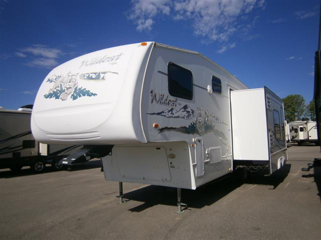 Used 2005 Forest River Wildcat 30LSWB Fifth Wheel For Sale