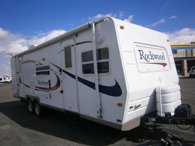Used 2006 Forest River Rockwood ULTRA LITE 8272 Travel Trailer For Sale