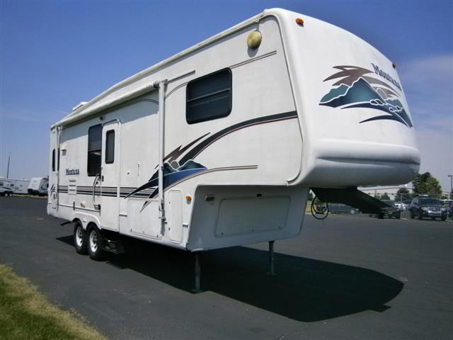 Used 2000 Keystone Montana 2750RK Fifth Wheel For Sale