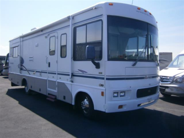 2003 Winnebago Sightseer
