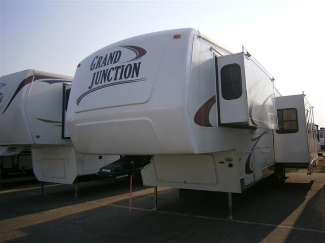 Used 2005 Dutchmen Grand Junction 32TCG Fifth Wheel For Sale