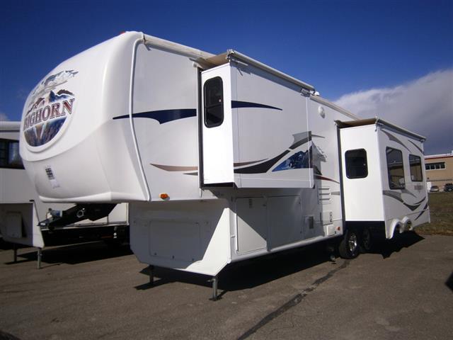 Used 2008 Heartland Bighorn 3055RL Fifth Wheel For Sale