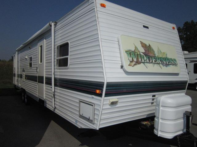 Buy a Used Fleetwood Wilderness in Churchville, NY.