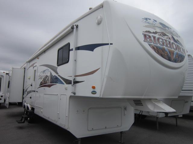 Buy a Used Heartland Bighorn in Churchville, NY.