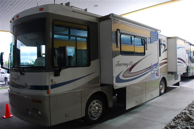 2004 Winnebago Journey
