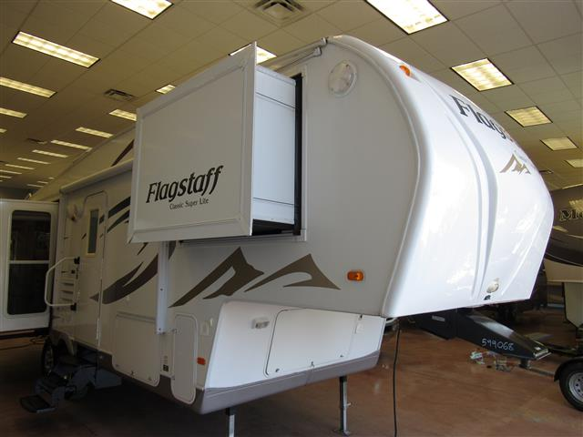 Used 2010 Flagstaff Classic Super Lite 8526RLWS Fifth Wheel For Sale