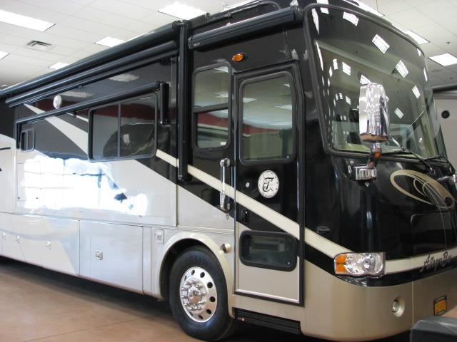 2008 Tiffin Allegro Bus