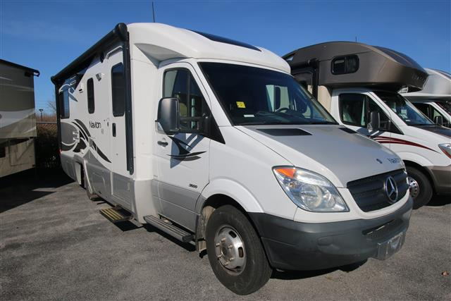 Used 2011 Itasca Navion M-24G Class C For Sale
