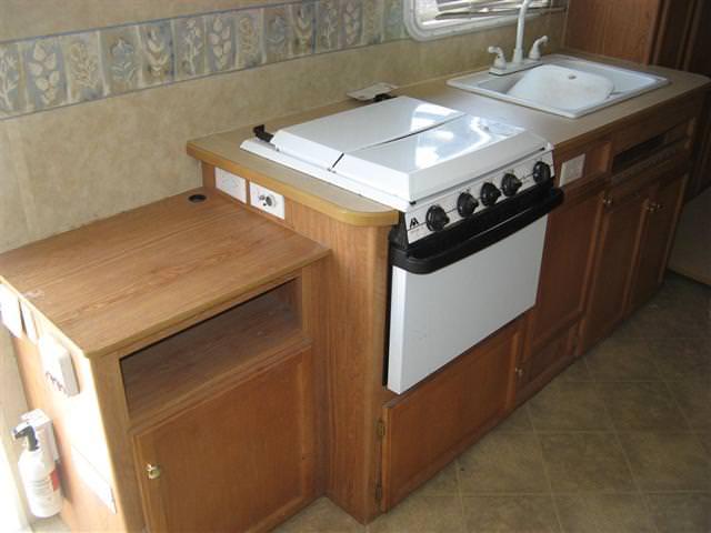 Lakewood nj used hybrid travel trailer 2006 jayco jay for Lakewood wood stove for sale