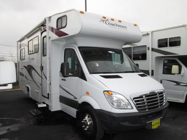 Buy a Used Coachmen Freelander in Lakewood, NJ.
