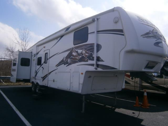 Used 2008 Keystone Montana 3500RL Fifth Wheel For Sale