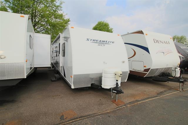 Used 2012 Gulfstream Gulf Stream 28RLB STREAMLITE Travel Trailer For Sale