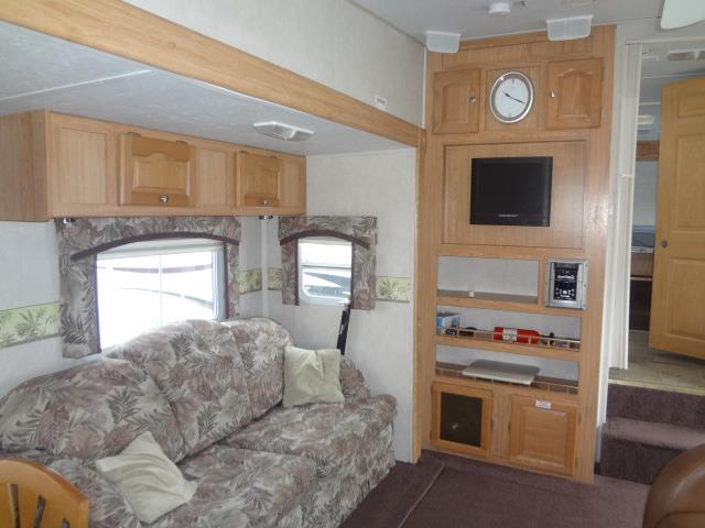 Used 2005 Flagstaff Flagstaff 8528RKSS Fifth Wheel For Sale