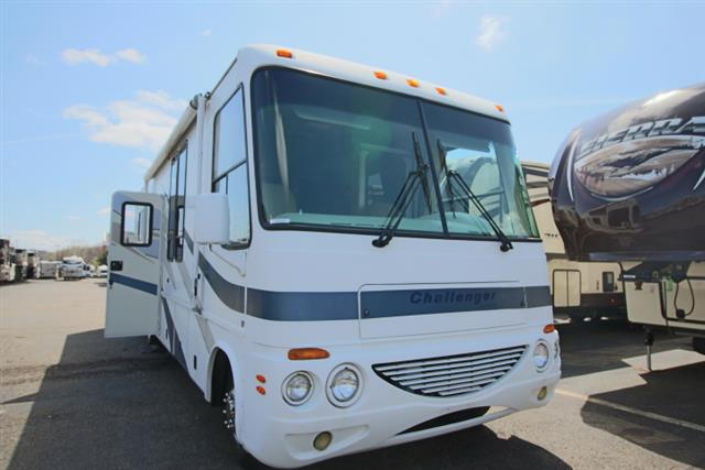 Used 2004 Damon Challenger 33 Class A - Gas For Sale